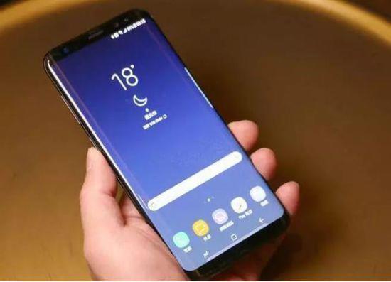 为去掉iphone x式刘海屏 看手机厂商动用哪些技术?图片