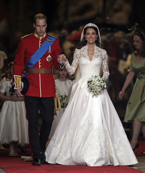 """凯特13岁""""被预言""""嫁王子 网友:有没有说王子秃顶?"""