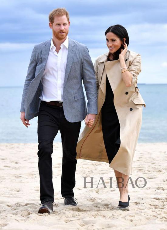 2018年10月18日梅格汉·马克尔 (Meghan Markle) 与哈里王子 (Prince Harry) 墨尔本外出街拍