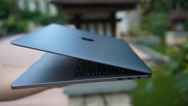 新款MacBook Pro评测:Touch Bar真的能提高效率的照片 - 2