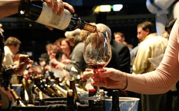 学会这9条葡萄酒礼仪 让你成为品鉴会上最亮的星