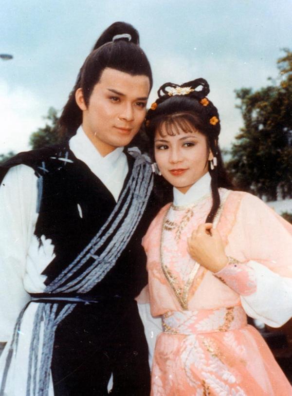 1983年香港TVB版的《射雕英雄传》里,黄日华饰演的郭靖,翁美玲饰演的黄蓉,都是影迷心中永恒的经典。图片来自网络