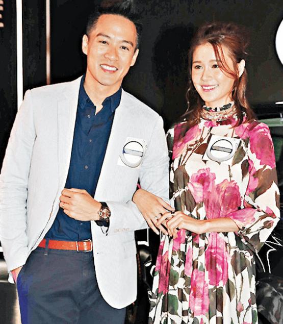 陈智燊(左)和黄翠如出席活动