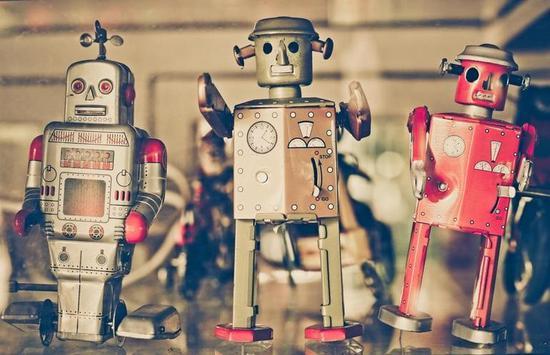 AI与机器人革命带来新改变 工人或可提前退休