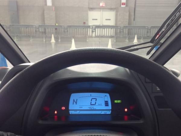 试驾丰田i-Road电动汽车:重量只有300KG的照片 - 9