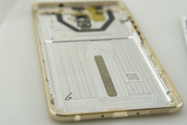 魅族Pro 6 Plus拆解评测的照片 - 8