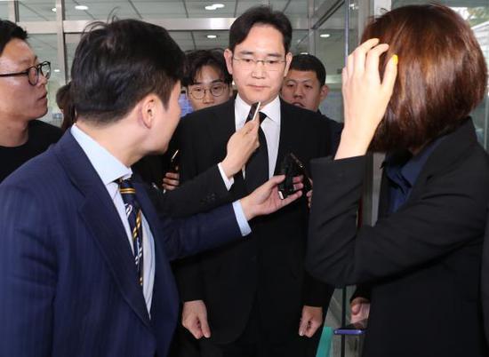 李在镕上月低调造访香港,或为重组及其接班做准备
