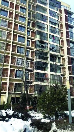 被子曬著火疑樓上煙頭所致 男子起訴鄰居獲賠1萬5