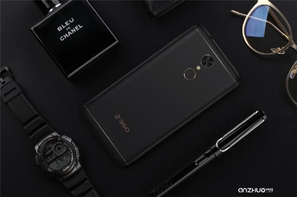360手机N5正式发布:配6GB内存卖1399元的照片 - 3