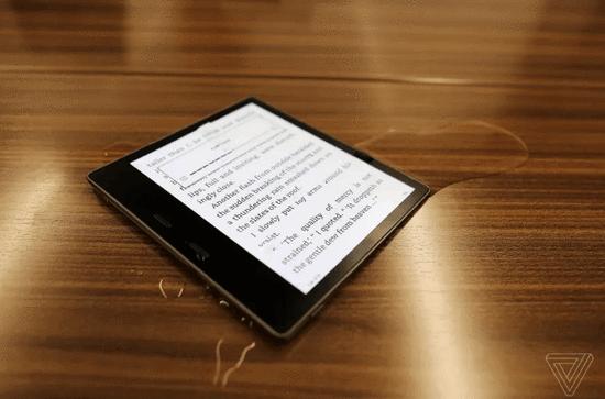 亚马逊推出可防水的新款Kindle Oasis阅读器