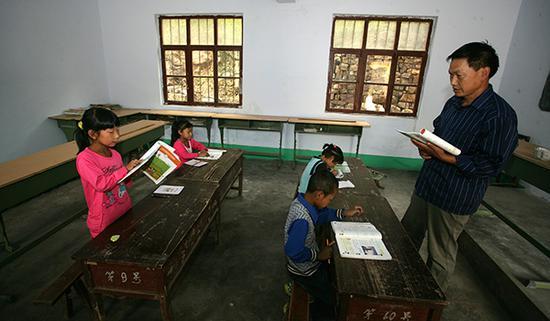 村小教师撰文:学生不断流入城镇 村小生存受影响