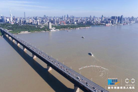 """建设""""长江经济带""""当前面临哪些机遇和挑战?"""