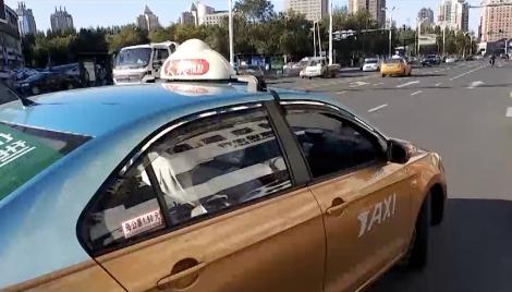 女子打车被强行开进派出所 司机:31元车费她赖1年
