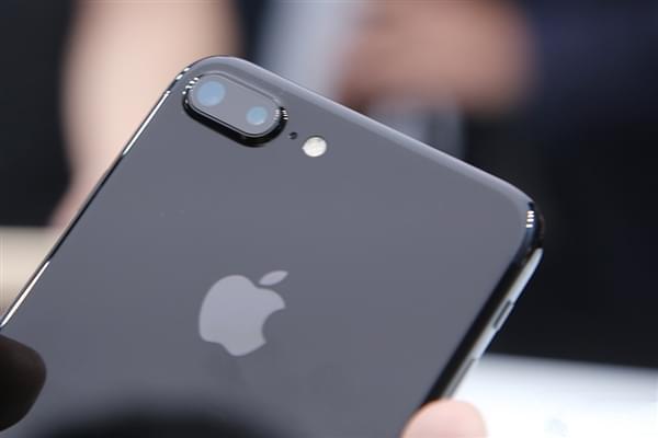 iPhone 7发布后 众安卓厂商反应是这样的的照片 - 1