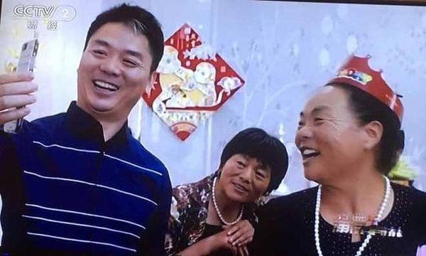 刘强东:和奶茶妹妹在一起不是因为她漂亮的照片 - 2