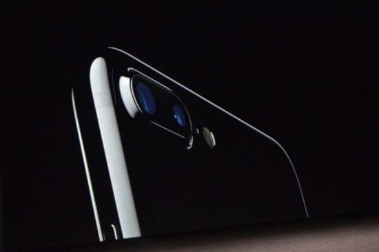 HTC吐槽iPhone双摄像头 但貌似起了反效果的照片 - 1