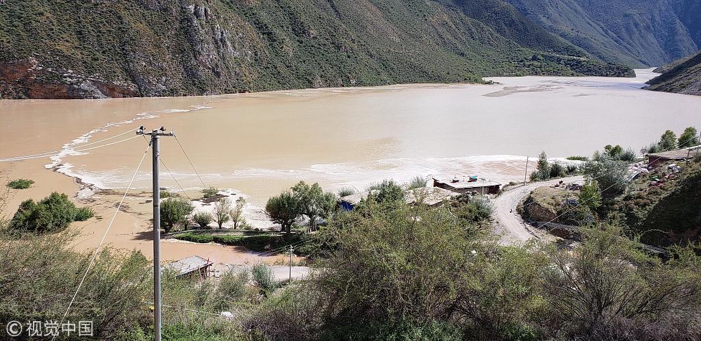 金沙江堰塞湖累计上涨39.42米 初步排险方案确定