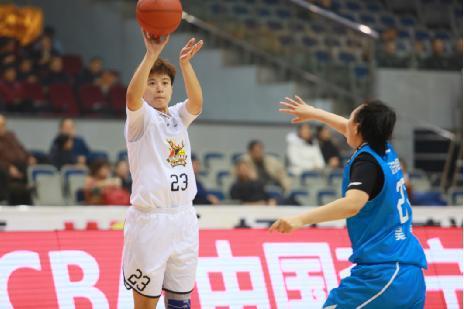 下半场状态回归 新疆女篮主场84:73胜辽宁女篮