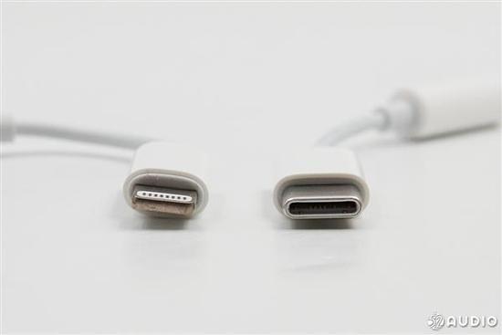 目前lightning接口主要用于iphone设备,而usb-c接口则主要在安卓手机