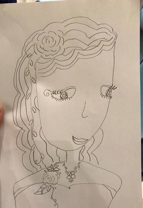 而袁泉自己发型为短发,看来女儿非常希望妈妈能留长发呀!