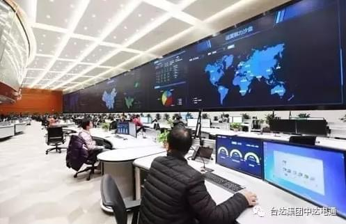 华为内部巨屏亮相:622平方米的照片 - 2