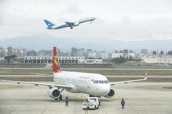 客机玻璃为国外垄断 大飞机玻璃中国造进展如何