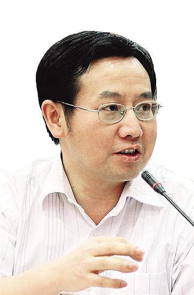 """中国教育研究院研究员储朝晖: """"填报志愿不能迷信大学和学科专业排名榜"""""""