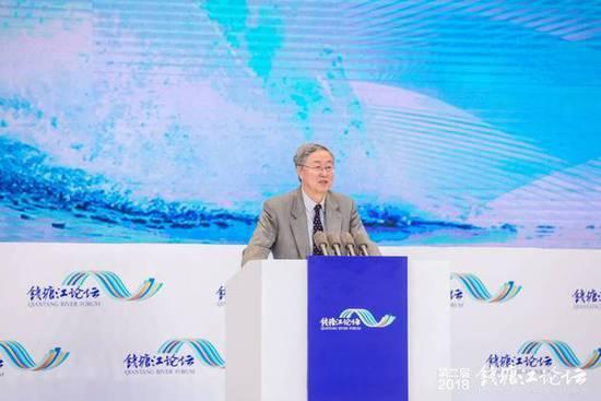 周小川:中国储蓄率下降表明内需增强