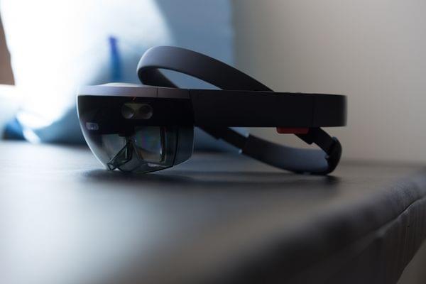 微软HoloLens之父:将推消费者版全息眼镜的照片 - 1