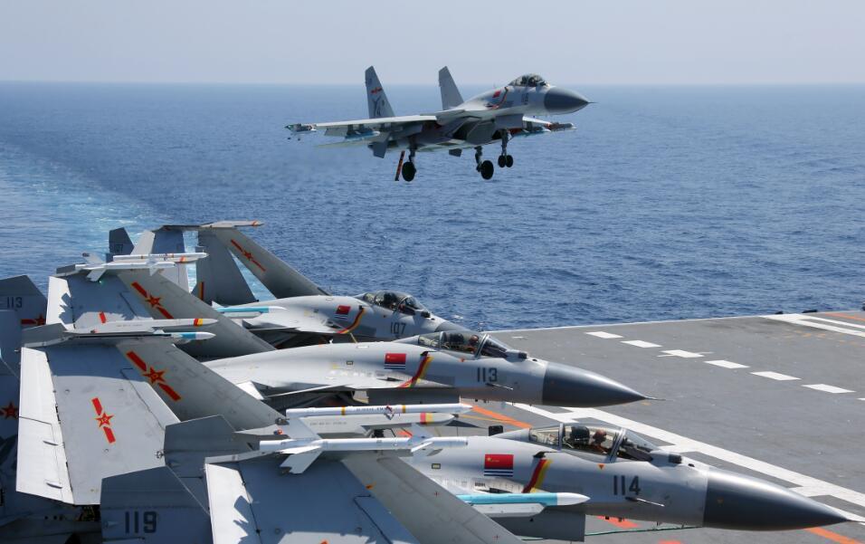 专家:辽宁舰有近20架舰载机 已达到一定规模