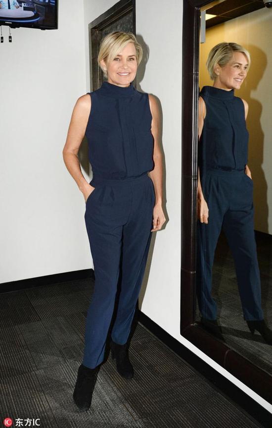 """维密模特Bella Hadid用一张""""臭脸""""踏平时尚圈"""
