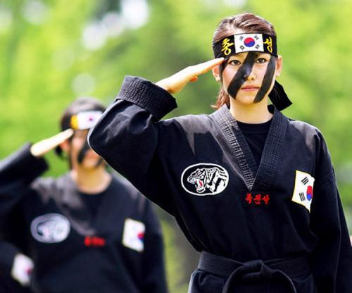 韩军女兵生存状态堪忧:性侵丑闻接二连三