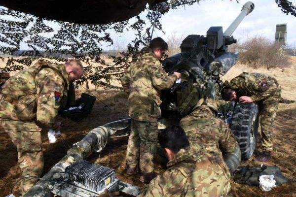 靠200名士兵抵御俄罗斯?英军决定暂缓从德国撤离