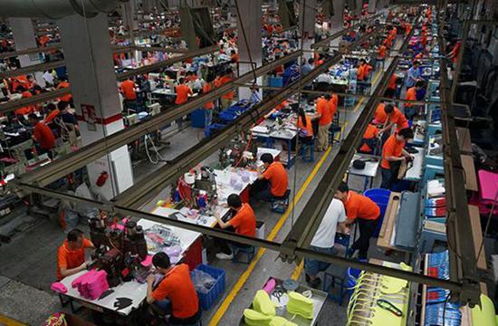东莞曾制造出全球1/4的运动鞋。过去三十多年的积累,让东莞更有底气。(来源:网络)