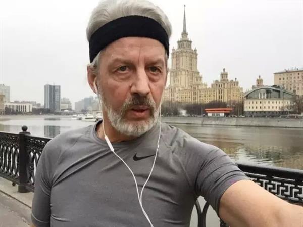 5万卢布包装俄罗斯退休大爷成为网红 骗了所有人的照片 - 10