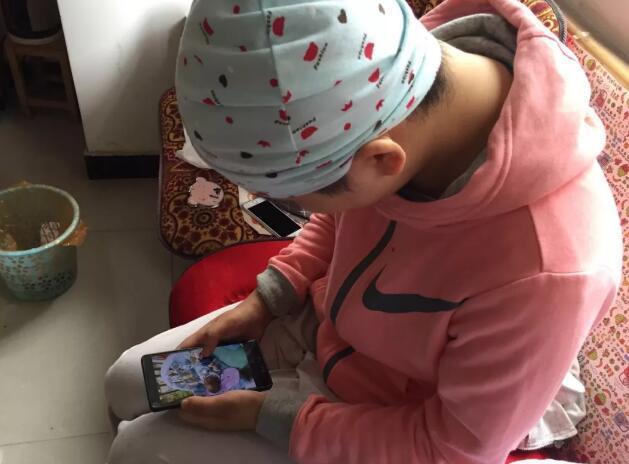 女子生娃后被确诊癌症 男友全家却带孩子消失了