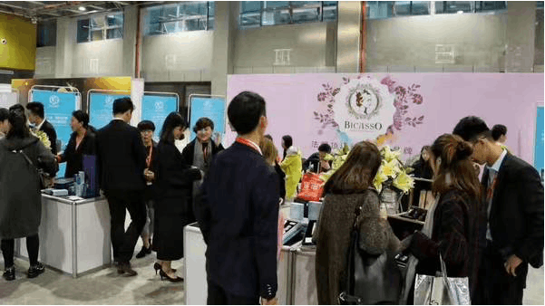 2017广州美博集聚焦纹绣、名颜国际纹饰取得追捧!