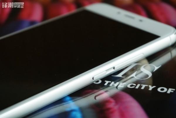 双面2.5D玻璃:魅蓝X真机图赏的照片 - 6