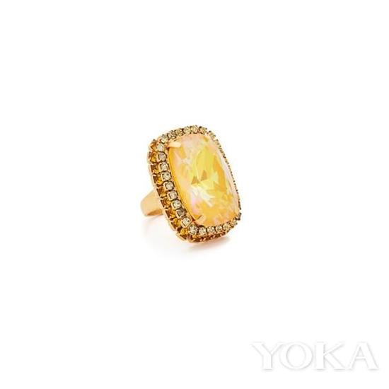 Elizabeth Cole施华洛世奇黄水晶戒指,$150.00,可购于shopbop.com。
