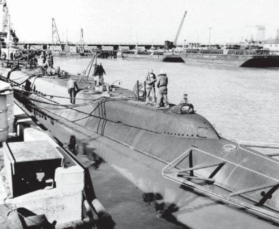 """解密二战美军传奇潜艇:曾在日本本土""""击沉""""火车"""