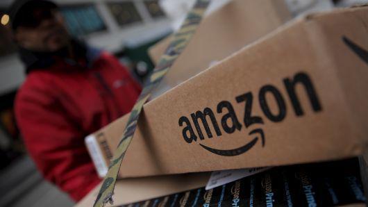 美国第二家,亚马逊盘中市值一度突破1万亿美元
