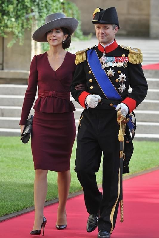 43岁的丹麦王妃其实比凯特王妃更会穿搭!