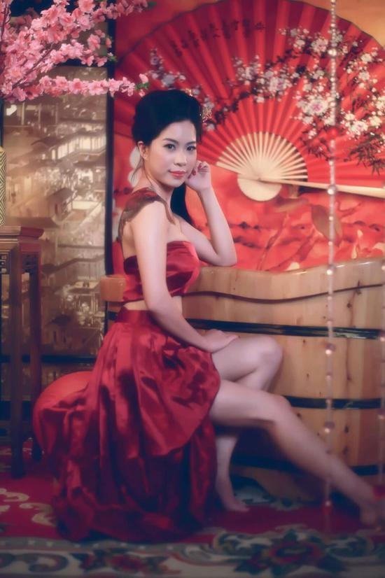 刘婷婷 Coka浴盆拍古典美人写真