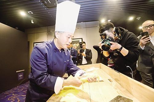 中国版《米其林指南》发布餐厅指南值得信赖吗?