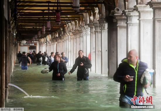 意大利遭暴风雨袭击已致19人死 强暴雨将再次来临