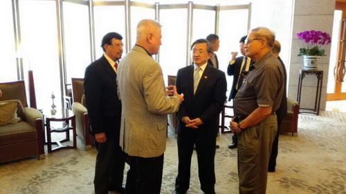 外交部副部长刘振民会见菲律宾外交关系委员会代表团