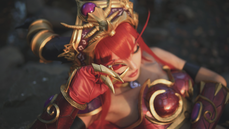 真爱粉还原!《魔兽世界》红龙女王阿莱克丝塔萨COS