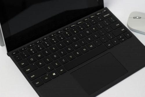 "从Surface Pro""砍成""Surface Go:微软下了狠心"