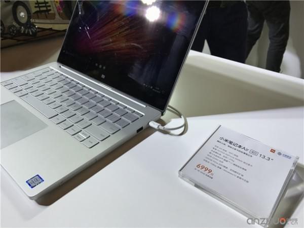 外观基本没变:小米笔记本Air 4G版现场图赏的照片 - 3