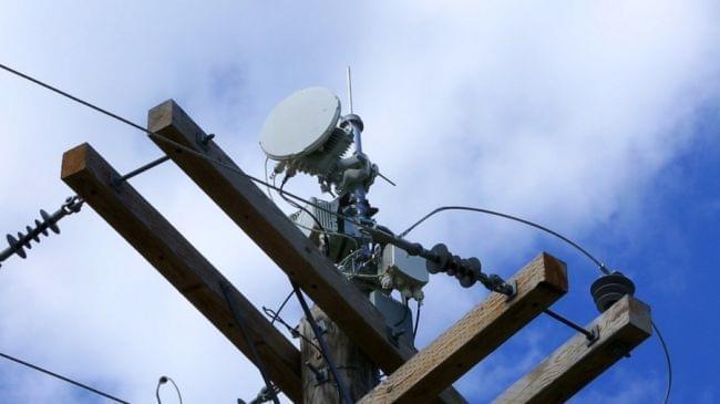 用电线来传网络信号的黑科技?AirGig究竟是什么的照片 - 1
